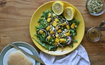 Sałatka z rukoli i mango