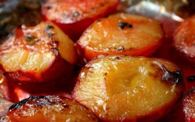 Śliwki zapiekane z sosem waniliowym