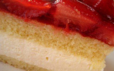 Tort bez mleka truskawkowo waniliowy